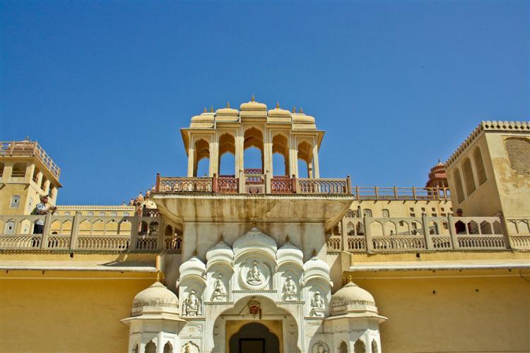Одна из стен Hawa Mahal