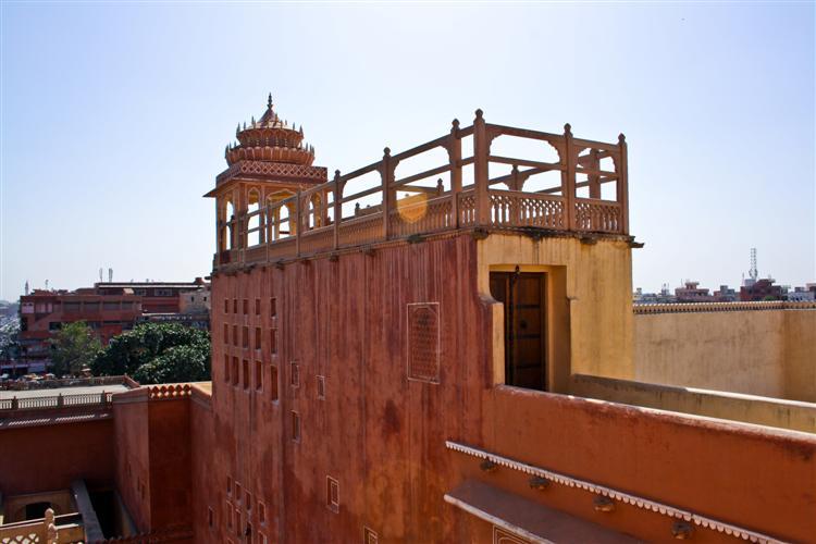 Одна из стен дворца ветров в Джайпуре