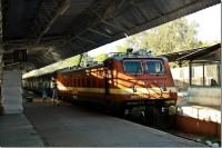 Индийский поезд в Агре