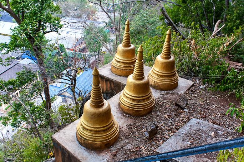 Ступки по дороге к вершине Храма на горе