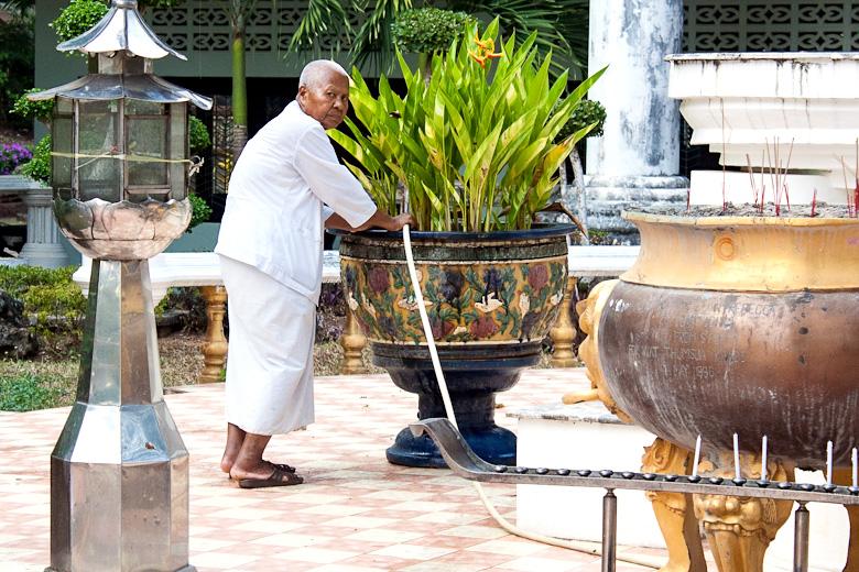Монах в Ват Там Су
