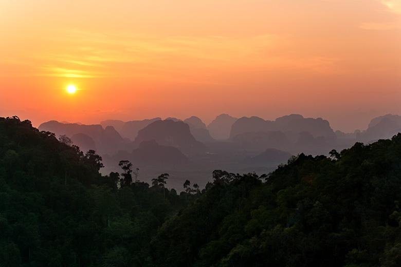 Самый потрясающий закат с вершины Tiger cave